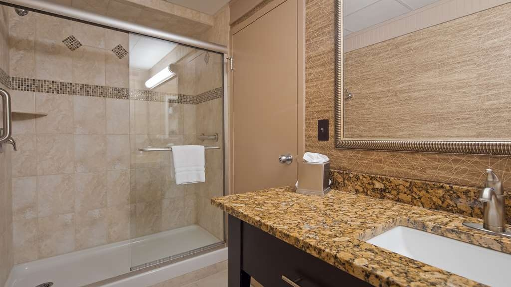 Best Western Plus Concordville Hotel - Executive King and Jr. King suite bathroom.