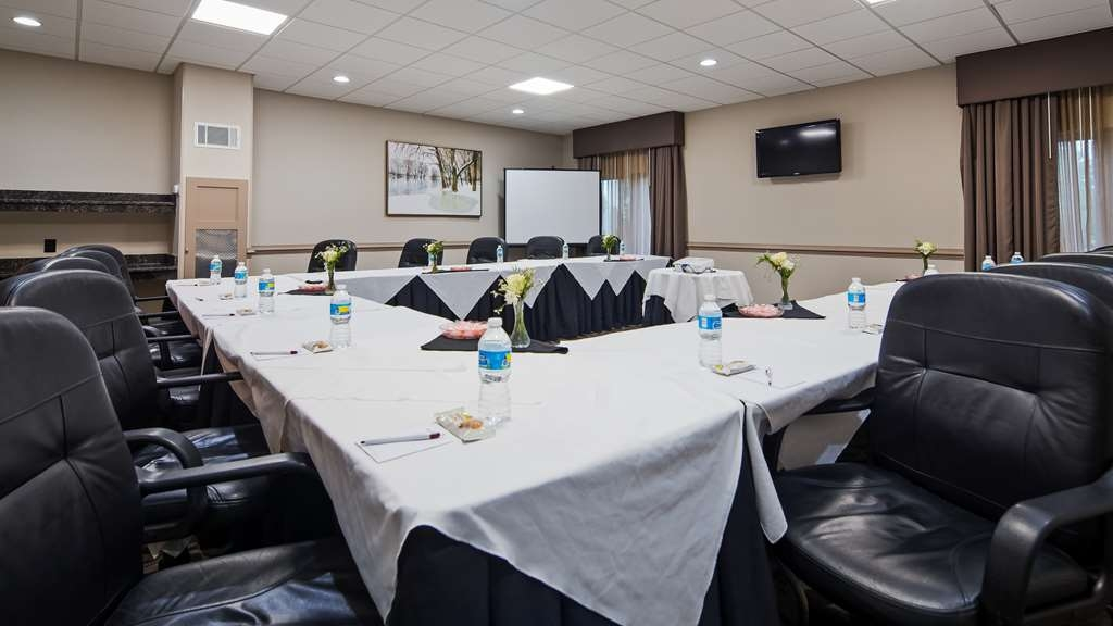Best Western Plus Concordville Hotel - At the Best Western Concordville Plus hotel we have nearly every kind of meeting support equipment you need right on site.