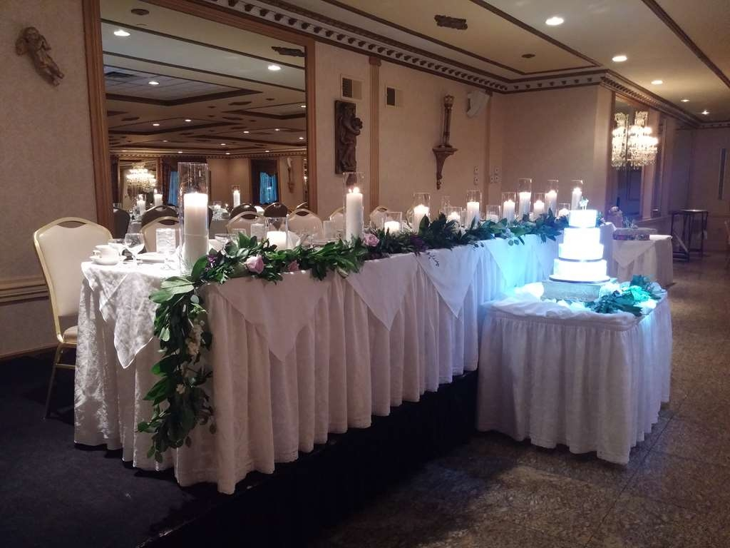 Best Western Plus Concordville Hotel - Concordville Inn Gold Ballroom is the perfect setting for your special day.