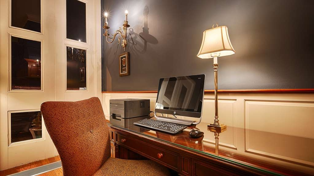 Best Western Plus Independence Park Hotel - Business center with printing capabilities.