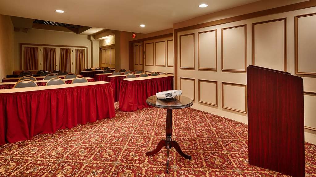Best Western Plus Independence Park Hotel - William Penn meeting room is perfect for moderate sized gatherings presentations or seminars.