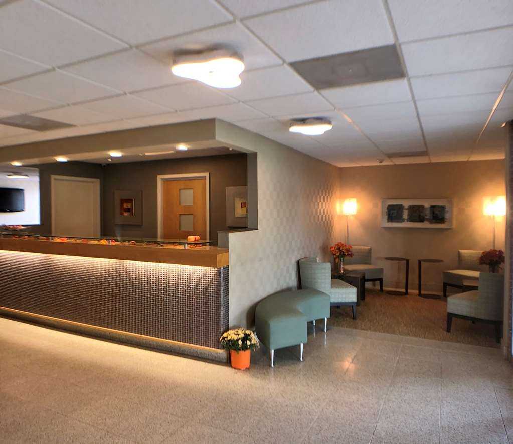 Best Western Lock Haven - Enjoy our seating area to relax, have a cup of coffee and read the morning newspaper.