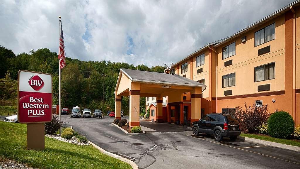 Best Western Plus Executive Inn - Begin your stay in Saint Marys, Pennsylvania, at the Best Western Plus Executive Inn and enjoy an unforgettable visit.