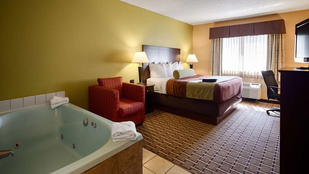 Best Western Plus Executive Inn - Suite
