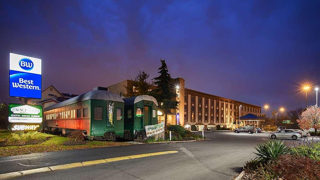 Best Western Fort Washington Inn - Vista exterior