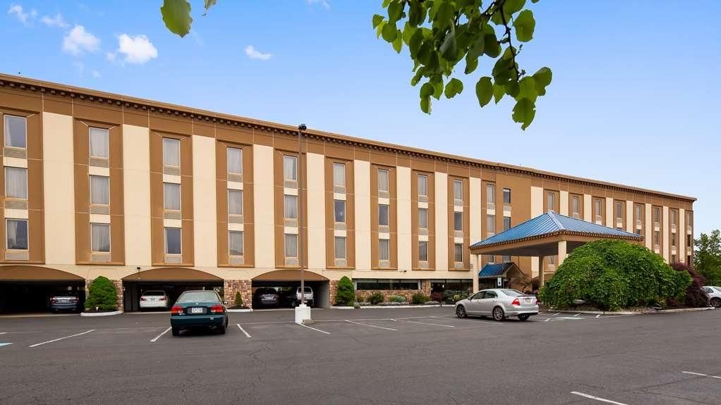 Best Western Fort Washington Inn - Facciata dell'albergo