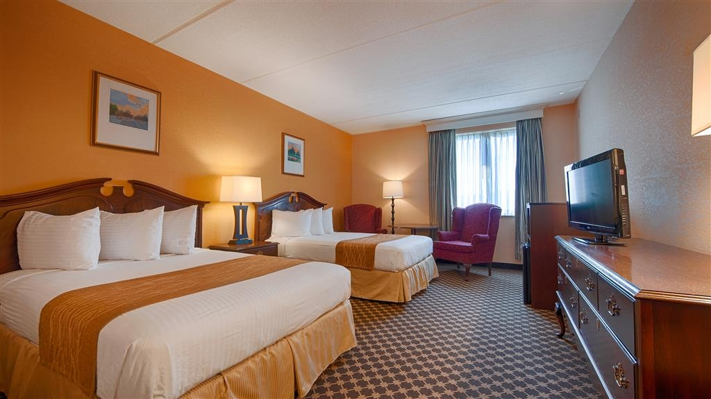 Best Western Grand Victorian Inn - Our spacious two double bed guest room has all the comforts of home at your fingertips.