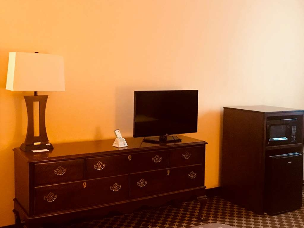 Best Western Grand Victorian Inn - All guest rooms come complete with a microwave and mini-fridge.