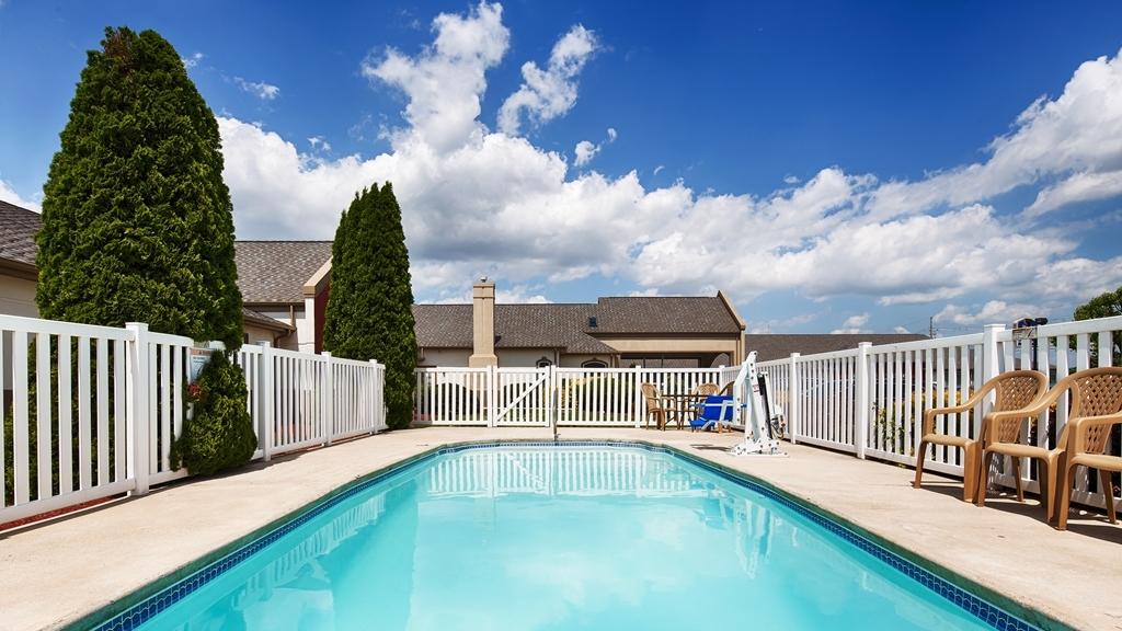 Best Western Chambersburg - Vista de la piscina