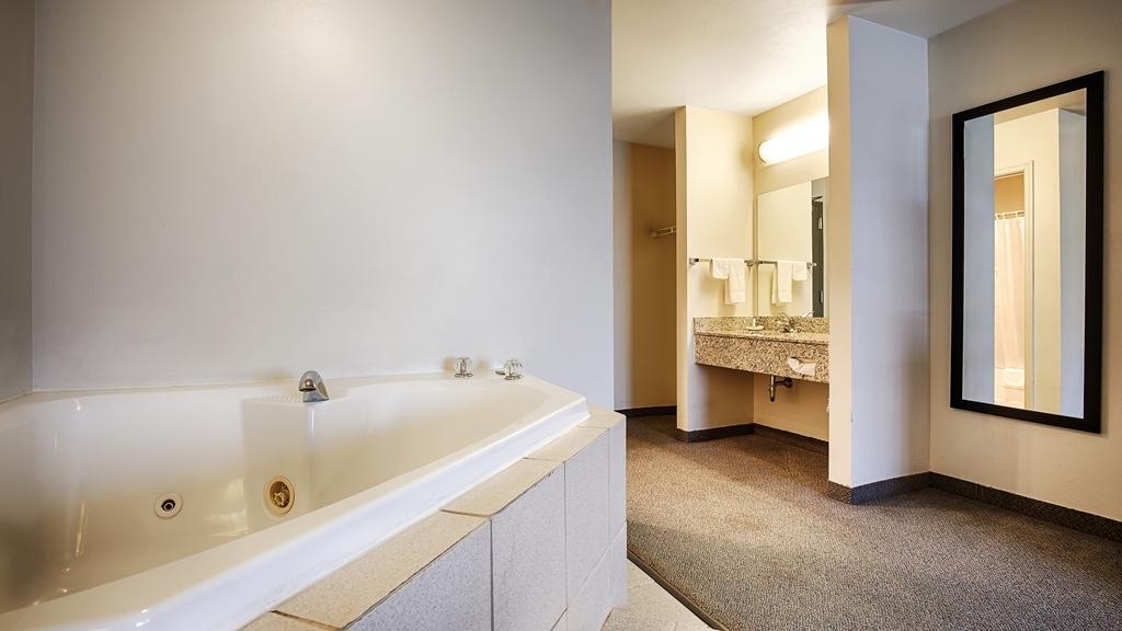Best Western Chambersburg - Suite