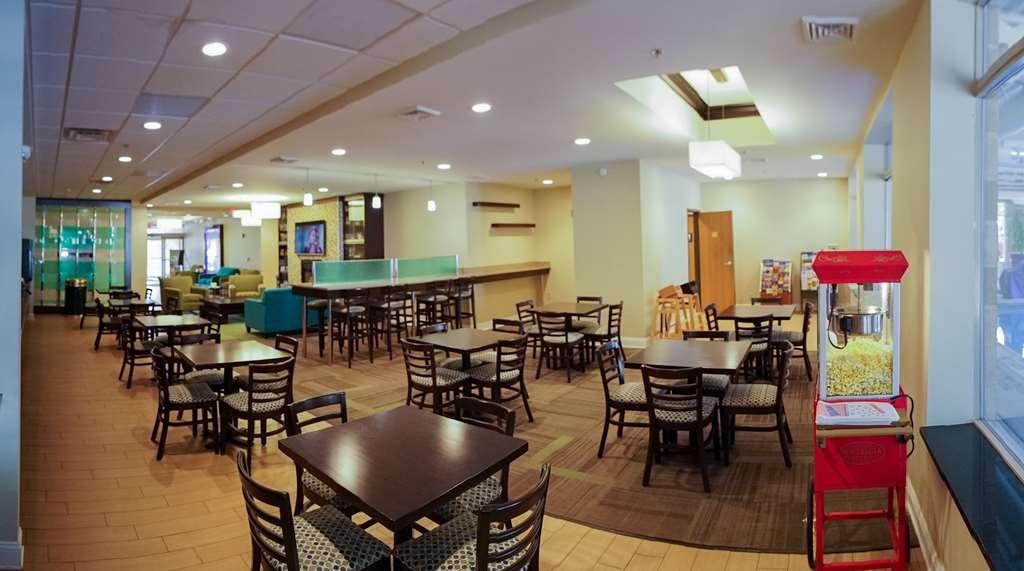 Best Western Garden Inn - Desayuno Buffet
