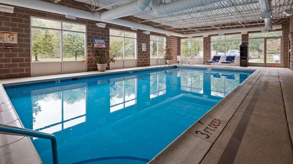 Best Western Garden Inn - piscina cubierta