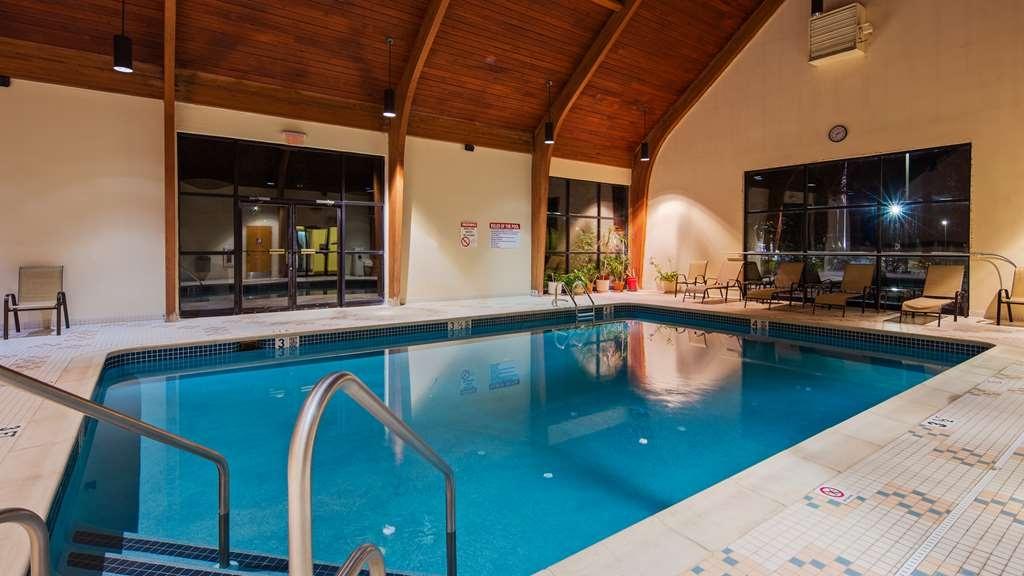 Best Western Inn at Blakeslee-Pocono - Vista de la piscina