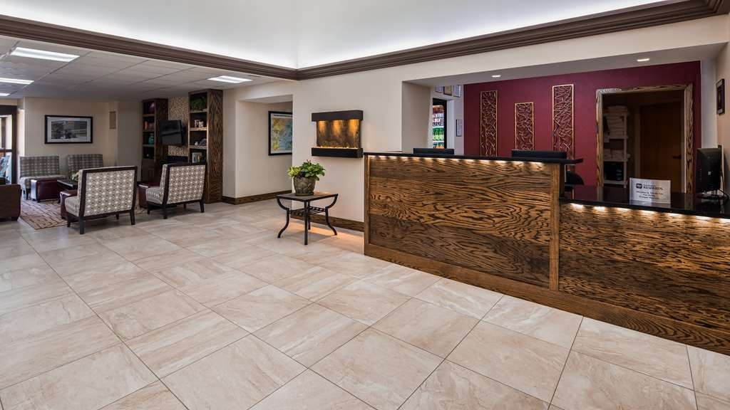 Best Western Inn at Blakeslee-Pocono - Vista del vestíbulo