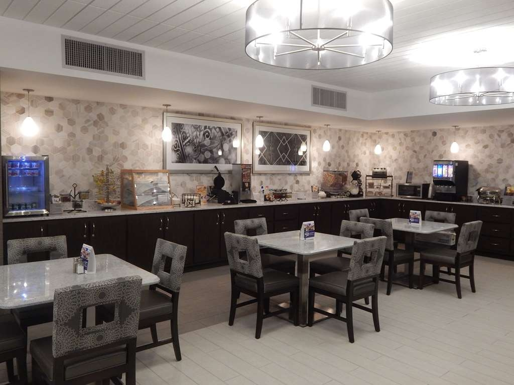 Best Western Plus Bradford Inn - Le petit déjeuner buffet