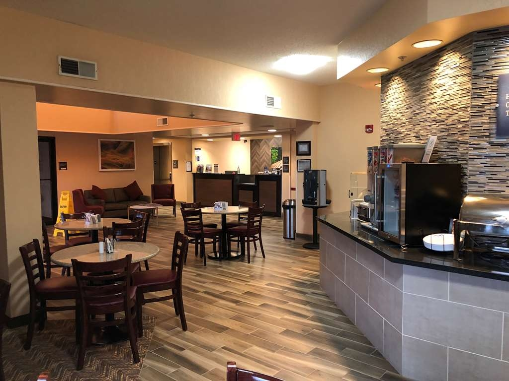 Best Western Danville Inn - Our breakfast area is attached to the lobby for easy access.