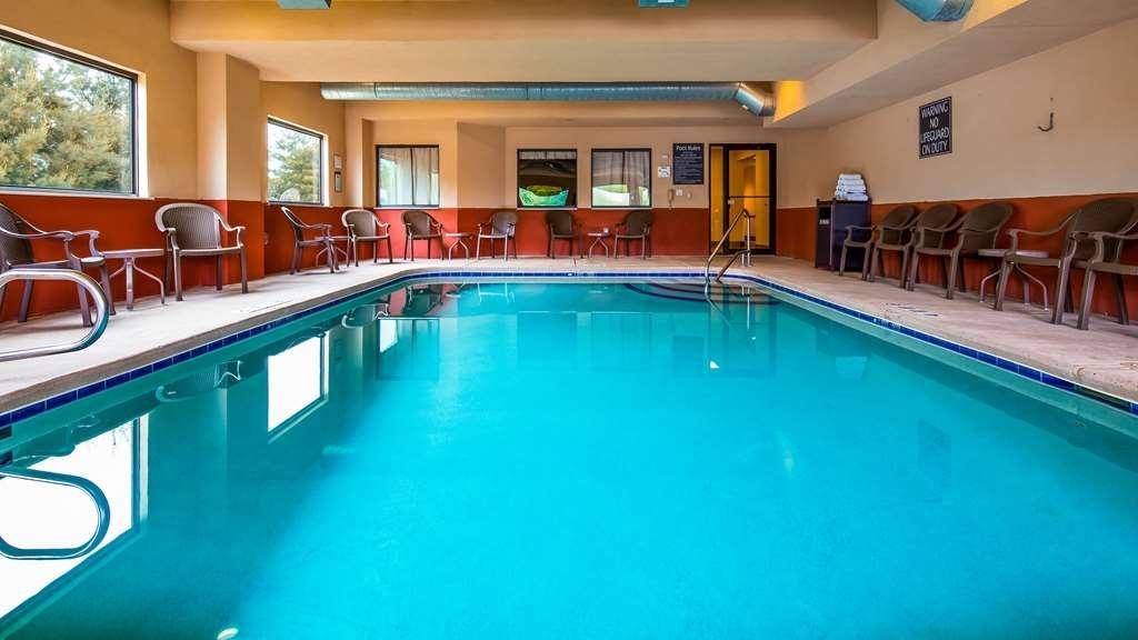 Best Western Danville Inn - Vista de la piscina