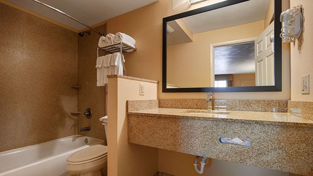 Best Western Williamsport Inn - Baño