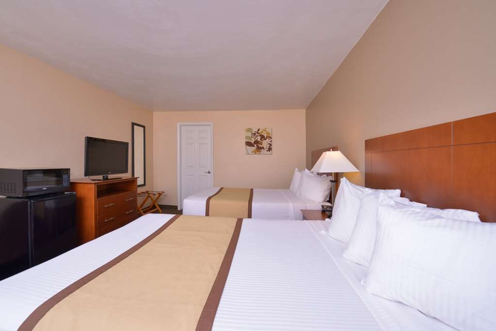 Best Western Williamsport Inn - Our double bed guest rooms are the perfect size for the traveling family!