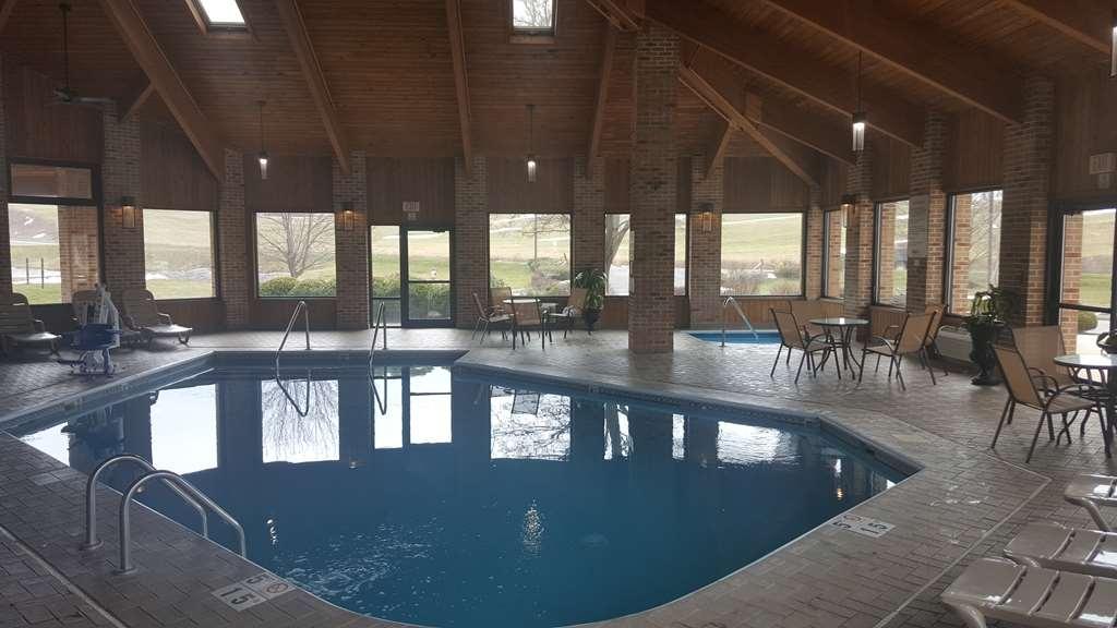 Best Western Shippensburg Hotel - Vista de la piscina