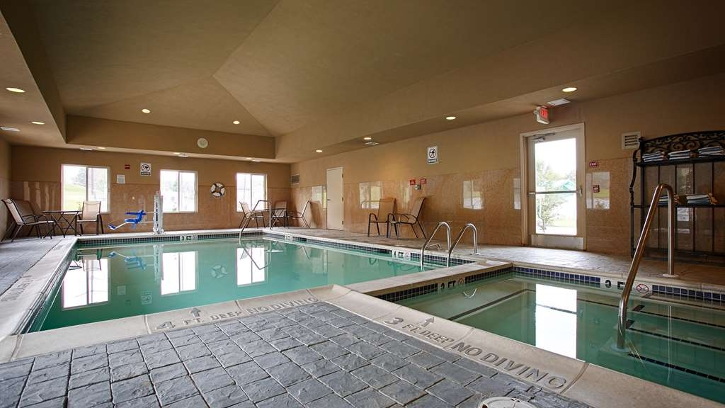 Best Western Plus New Cumberland Inn & Suites - Vue de la piscine