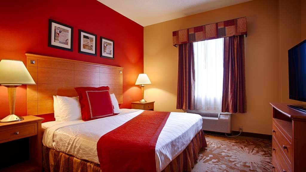 Best Western Plus New Cumberland Inn & Suites - Suite