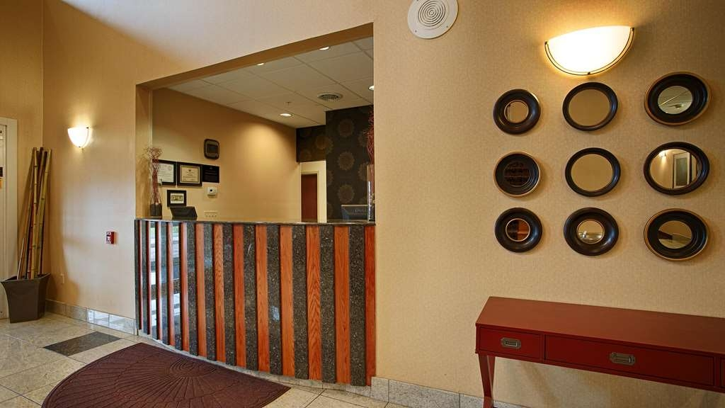 Best Western Plus New Cumberland Inn & Suites - Vue du lobby