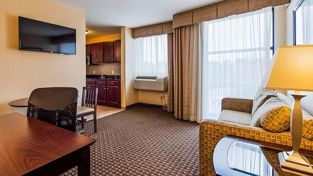 Terrific Hotel In Chester Best Western Plus Philadelphia Airport Cjindustries Chair Design For Home Cjindustriesco