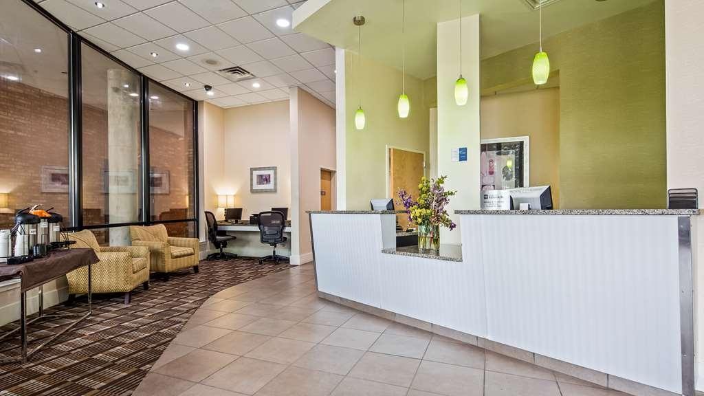 Best Western Plus Philadelphia Airport South at Widener University - Vue du lobby