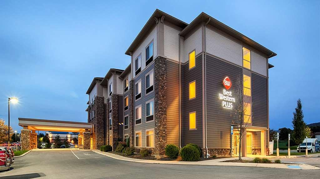 Best Western Plus University Park Inn & Suites - Aussenansicht