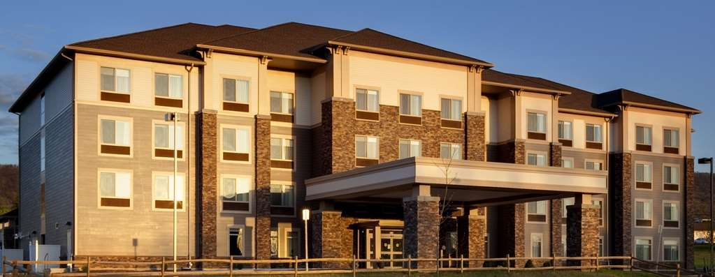 Best Western Plus University Park Inn & Suites - Vista Exterior