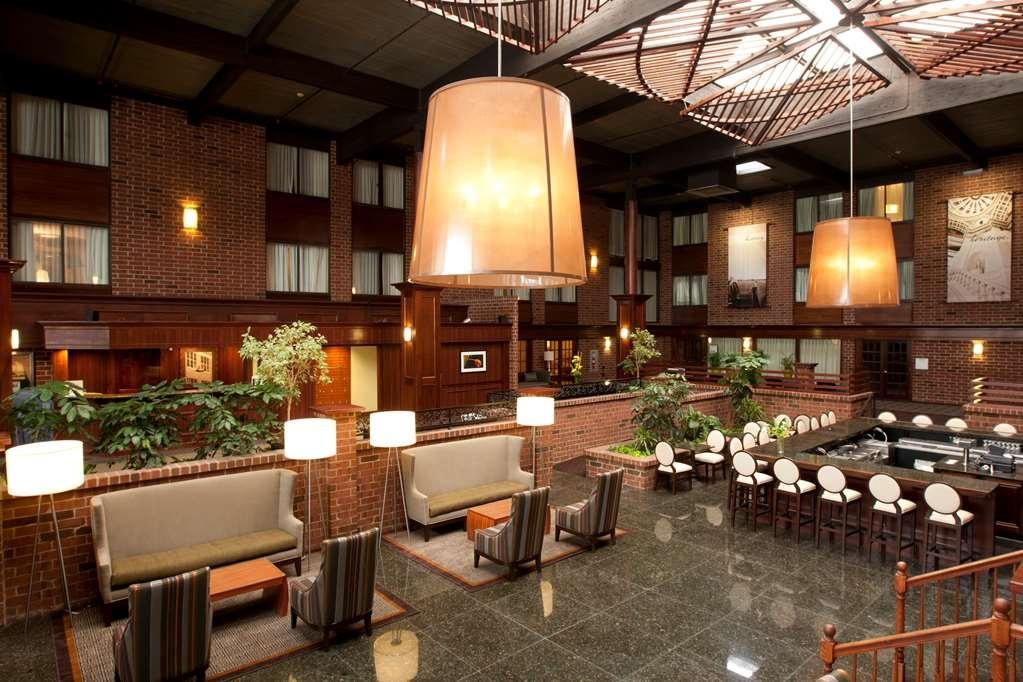 Best Western Premier The Central Hotel & Conference Center - Vista del vestíbulo