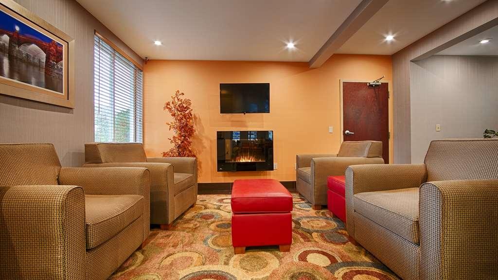 Best Western Harrisburg Hershey Hotel - Vue du lobby