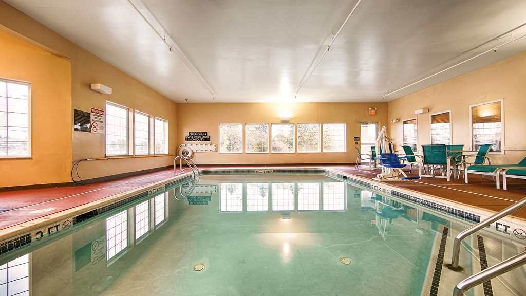 Best Western Harrisburg Hershey Hotel - Indoor Pool