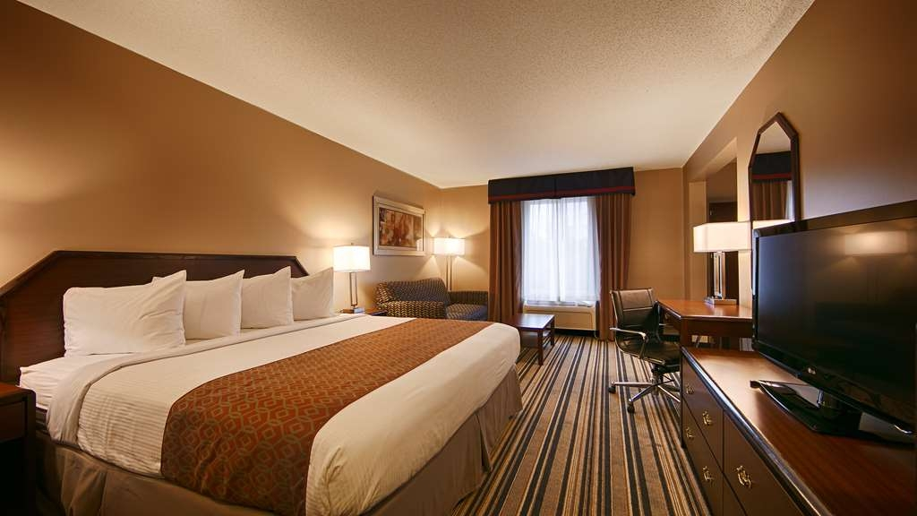 Best Western Harrisburg Hershey Hotel - King Queen Suite