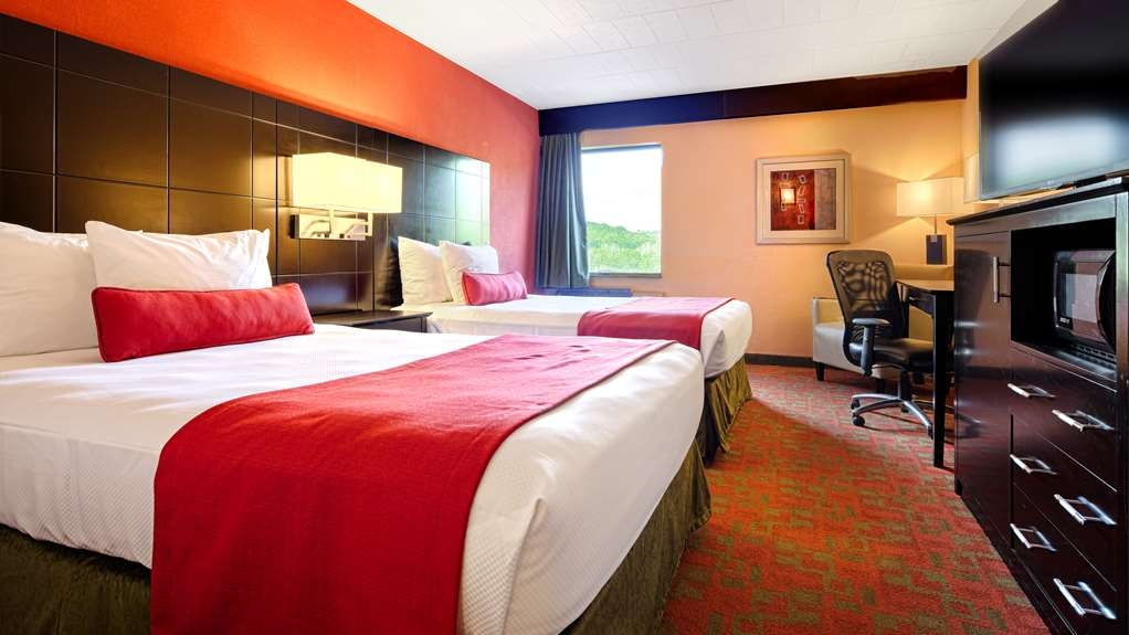 Best Western Plus Poconos Hotel - Two Double Guest Room