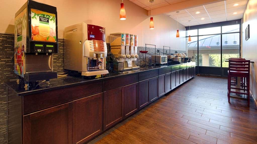 Best Western Plus Poconos Hotel - desayuno de cortesía