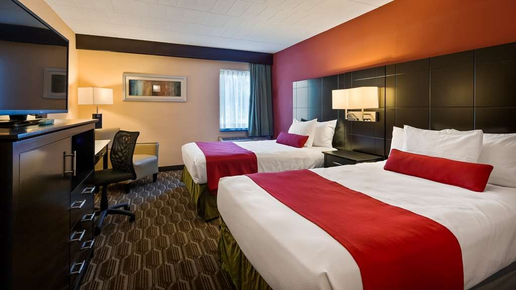 Best Western Plus Poconos Hotel - Guest Room