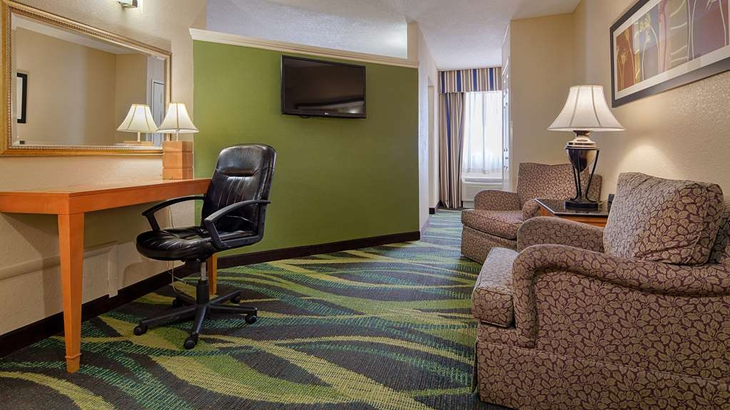 Best Western Plus Philadelphia Bensalem Hotel - Suite