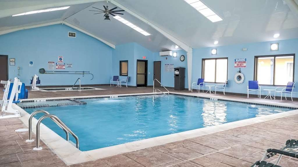 Best Western Plus Philadelphia Bensalem Hotel - After a long day relax in our heated indoor pool.