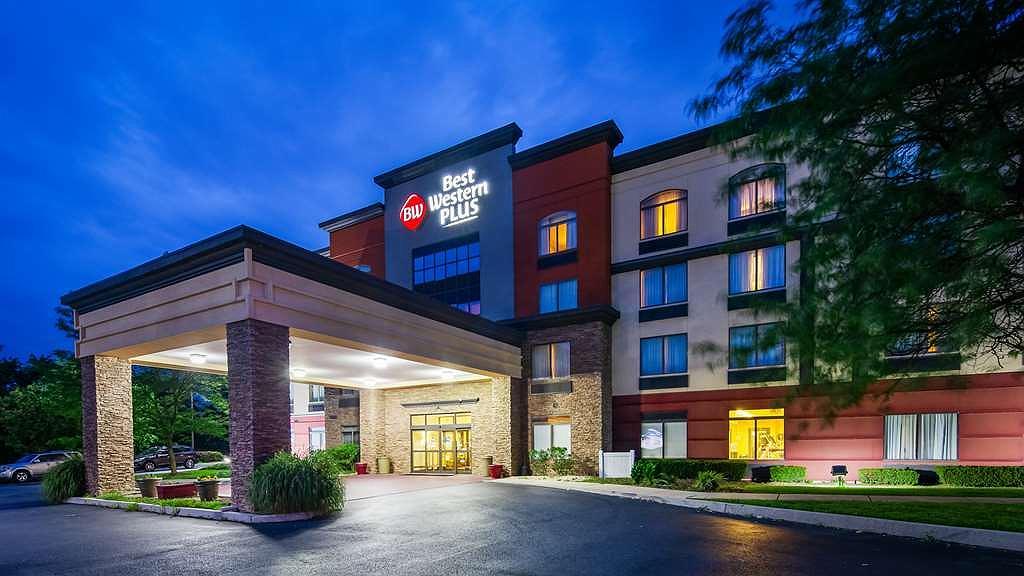 Best Western Plus Harrisburg East Inn & Suites - Vue extérieure