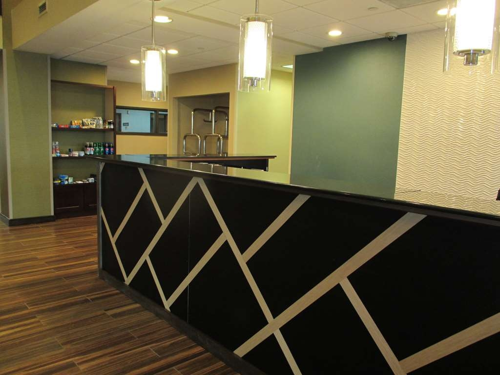 Best Western Plus Harrisburg East Inn & Suites - Réception