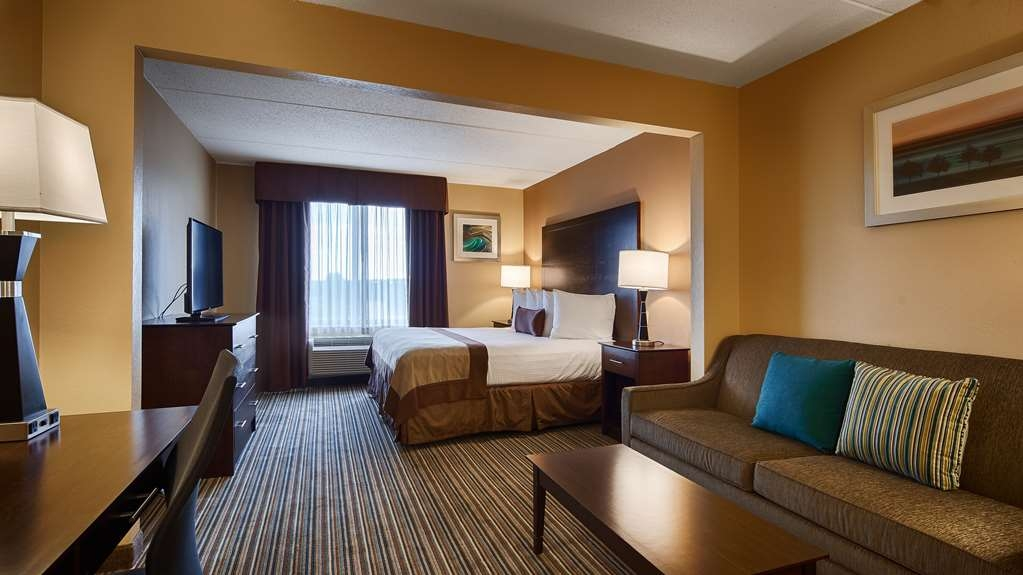 Best Western Plus Harrisburg East Inn & Suites - Chambres / Logements