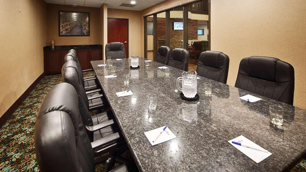 Best Western Plus Harrisburg East Inn & Suites - Besprechungszimmer
