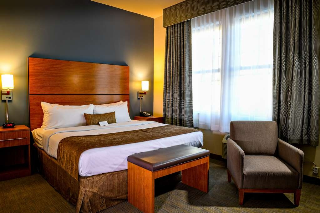 Best Western Plus Philadelphia Convention Center Hotel - Guest Room