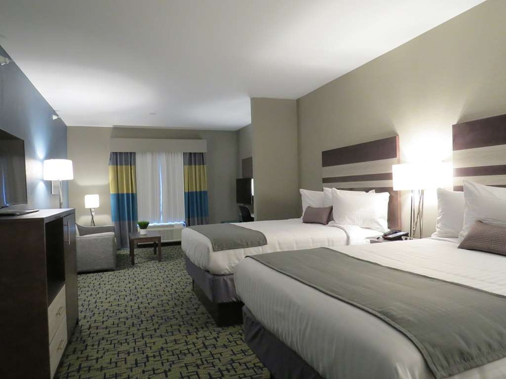 Best Western Plus Erie Inn & Suites - Suite