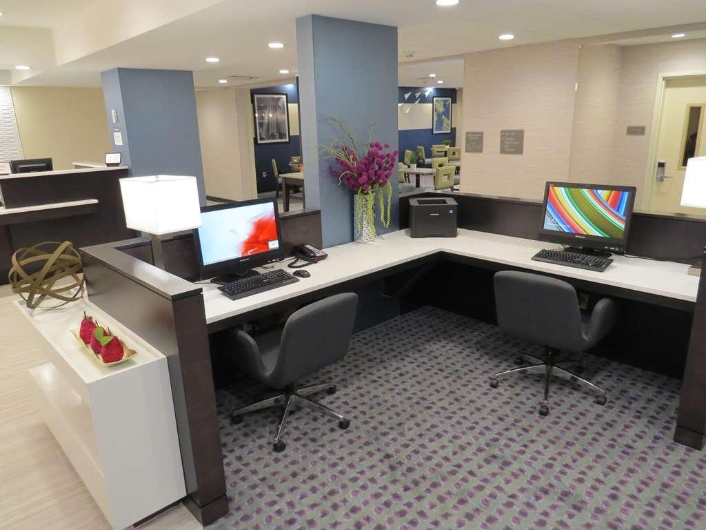 Best Western Plus Erie Inn & Suites - centre des affaires
