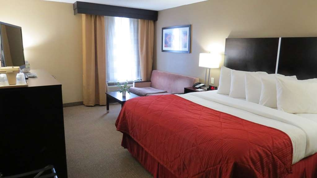 Best Western Harrisburg North - King Guest Room