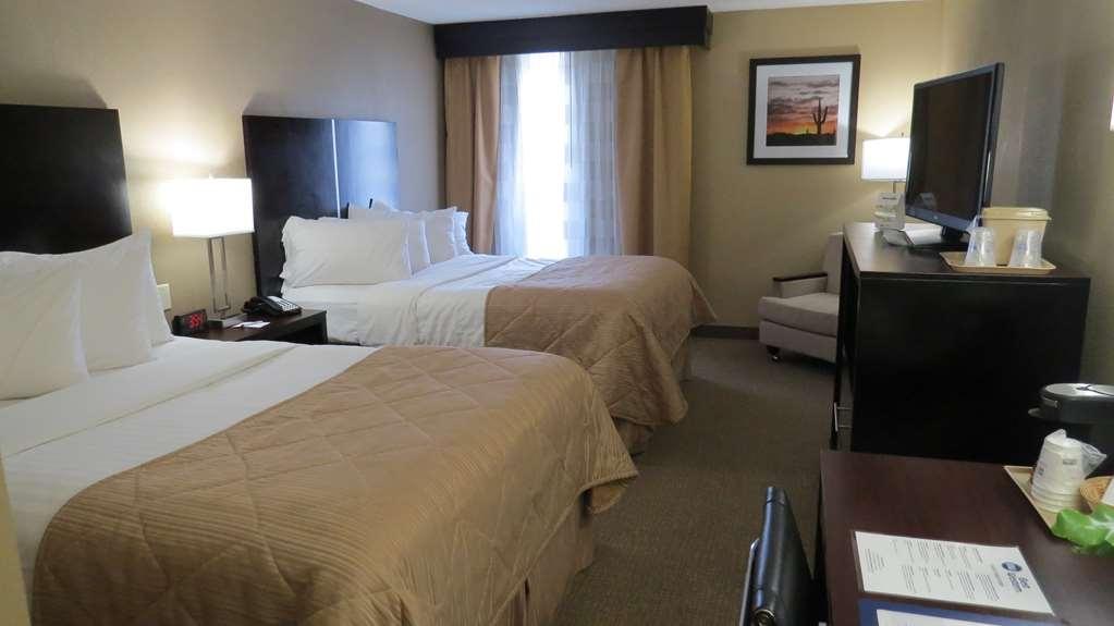 Best Western Harrisburg North - Double Queen Guest Room