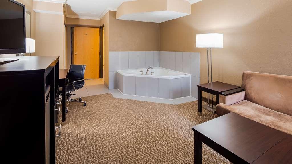 Best Western Harrisburg North - Guest Tub Suite